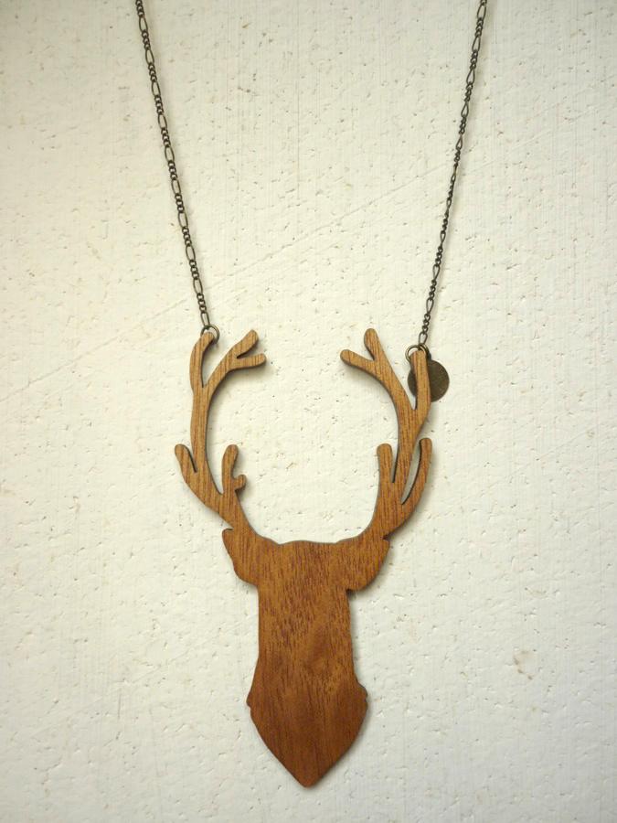 Sautoir-cerf-bois-2
